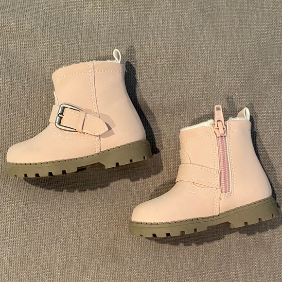 girls boots size 2.5